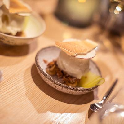 Restaurang vRÅ, Mat & Dryck på Clarion Hotel Post